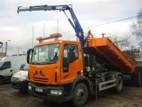 Stavební speciál - nosič kontejnerů s hydraulickou rukou